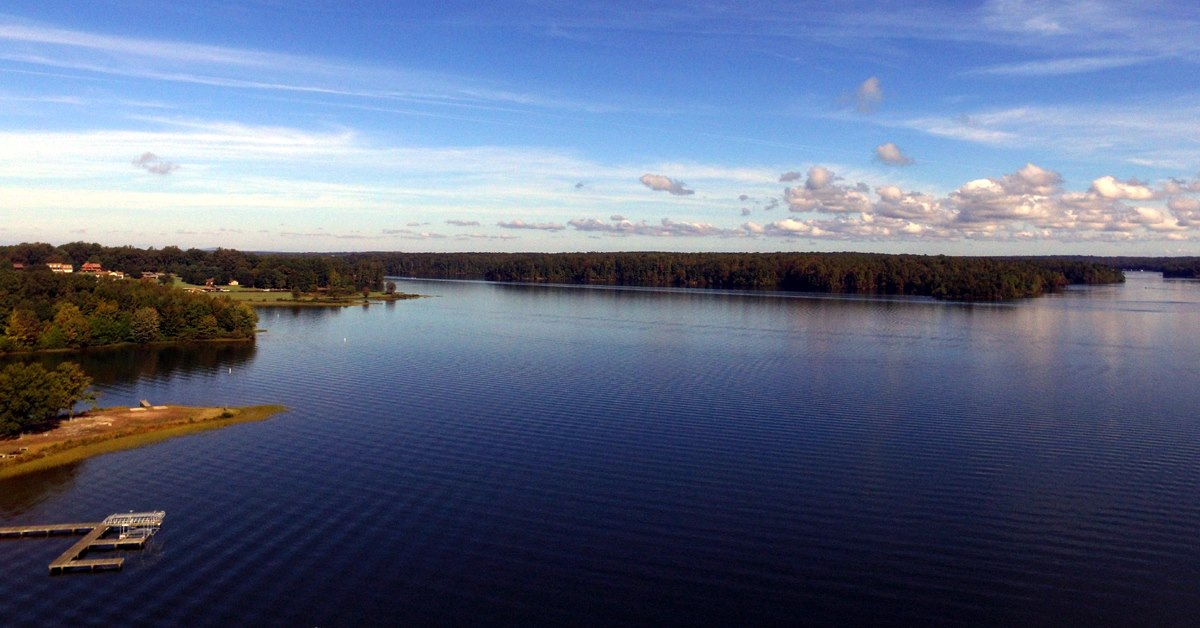 Lake Anna premier lot